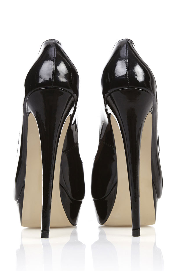 Shoes :&39L.A&39 Black Peep-Toe Leather High Heeled Pumps