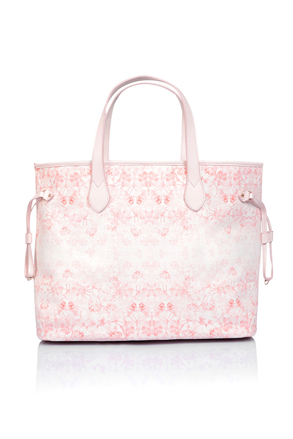accessories 39 signature 39 light pink and nude floral print tote bag. Black Bedroom Furniture Sets. Home Design Ideas